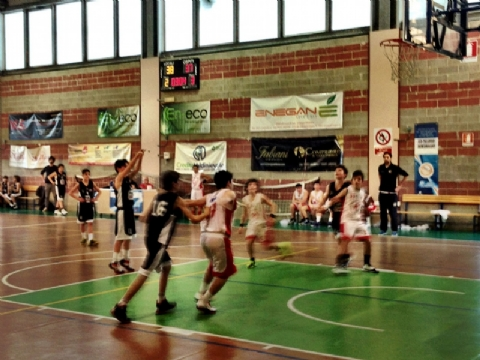 L'Avis Shoemakers Youth cade contro il CMB Lucca
